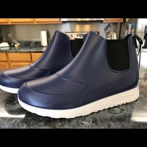 Rain boots 7.5 NWT navy blue ankle high